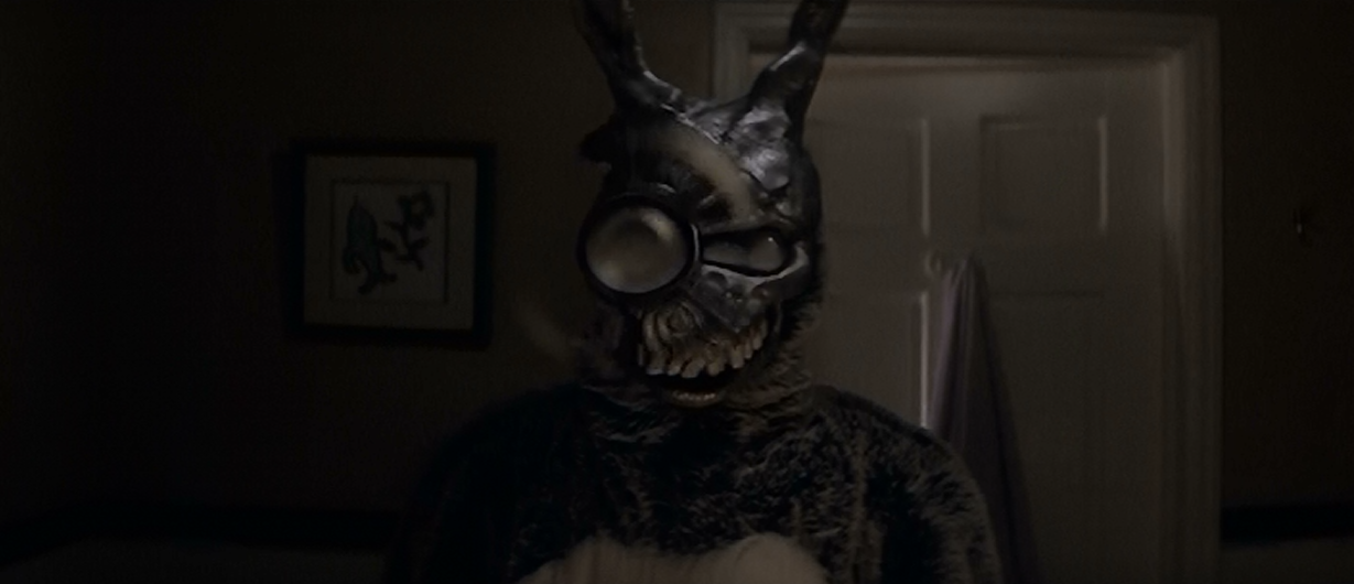"""an examination of the film donnie darko Film donnie darko abstract the following dissertation developed out of an enthusiastic interest in """"cult"""" film fandom and, in particular."""